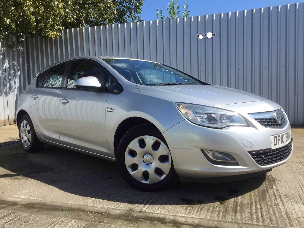 2010 Vauxhall Astra 1 4 Exclusiv 5dr Hatchback New Shape Mot April 2020 In Wombwell South Yorkshire Gumtree