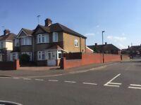 4 BedRoom Semidetached in North Feltham
