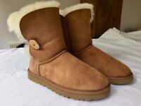 Ugg boots bailey button 5.5