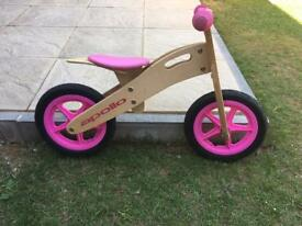 Apollo balance bike