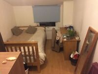 Double Room in Student House in Cathays, Cardiff, near to University. All bills paid.