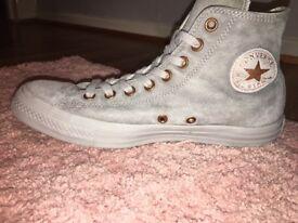 Women's grey converse size 8