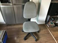 GREY TILT AND LIFT OFFICE CHAIR - BARGAIN £5 - COLLECTION FROM NE25