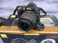 NIKON D40 DIGITAL SLR CAMERA WITH NIKON 18 - 55 VR LENS