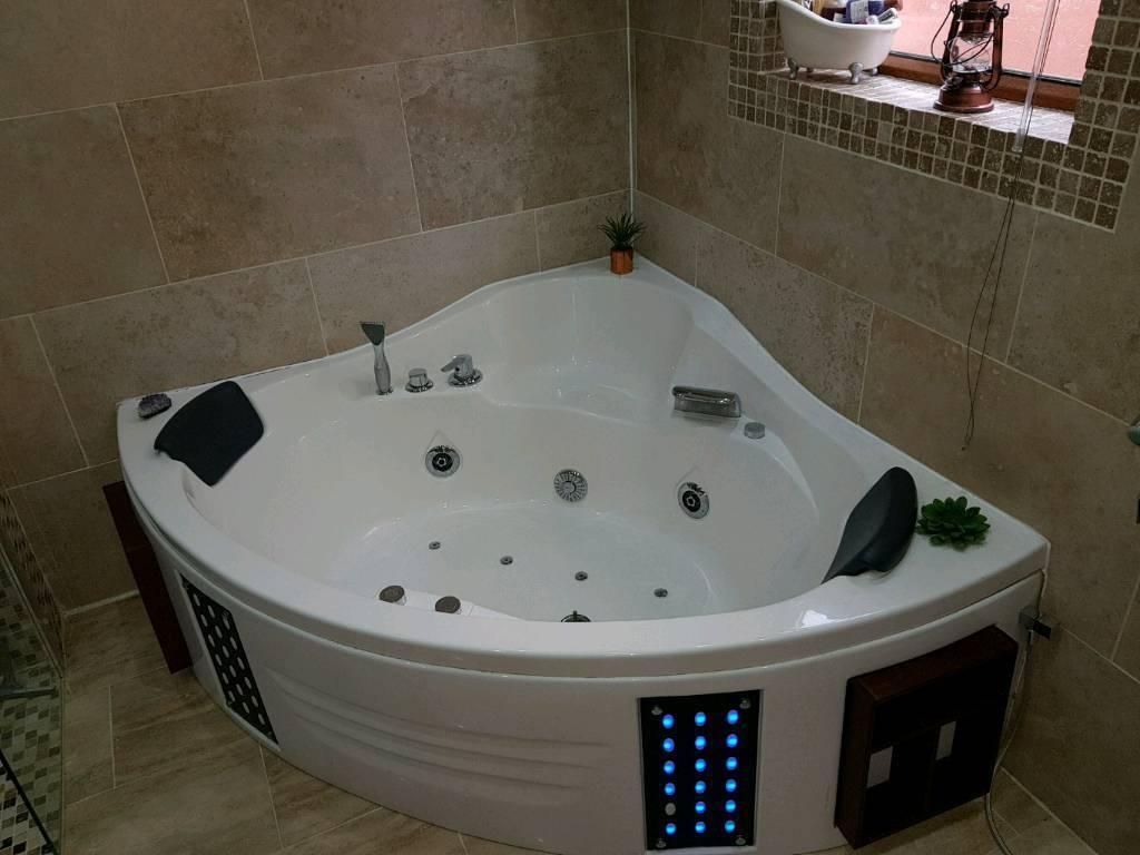 Jacuzzi Corner Bath | in Fulwood, Lancashire | Gumtree