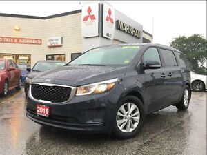 2016 Kia Sedona LX + (POWER SLIDING DOORS!