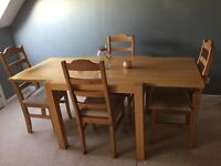Dining table oak and four chairs vgc