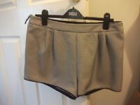New Look Ladies Shorts Size 14 Excellent condition