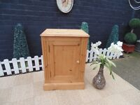 SOLID PINE FARMHOUSE CUPBOARD VERY SOLID CABINET IN EXCELLENT CONDITION 55/43/76 cm £45