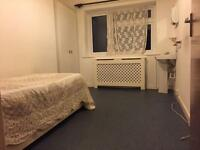 Rooms to let in a shared house in Charminster