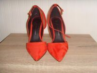 LADIES RED HEEL SHOES,SIZE 4 - 50P