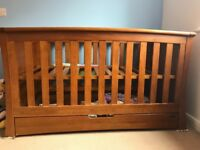 Mamas and papas cot/cotbed and chest of draws/changer