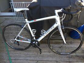Trek Madone 4.7 H2 Compact 58cm Carbon Road Bike