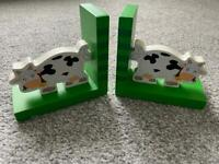 Wooden book ends cow animal