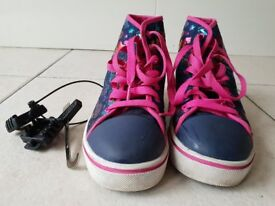 Heelys for girls Size 3 - Excellent Condition