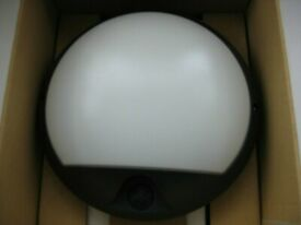 luma 15 or 30w low energy decor flood light night sensor