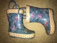Girls wellies size 5