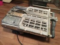 Tabletop sliding tile cutter good condition