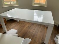 LIGNE ROSET WHITE GLOSS DINING EXTENDING DINING TABLE - SEATS 8/10/12