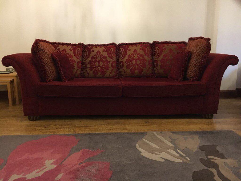 2 Piece Sofa Suite 1 Large And 1 Medium Sofa In Excellent