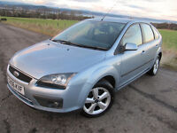 Ford Focus Zetec Climate 2006 FSH (10 stamps ) VGC only £2175 WITH FULL MOT.