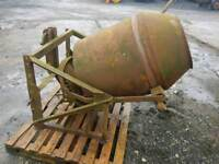 Tractor three point linkage teagle cement mixer