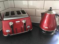 Delonghi Red Kettle and Toaster set RRP £90