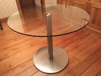 Round glass kitchen/lounge table
