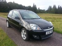 Ford Fiesta 1.25 Zetec Climate. Superb condition.