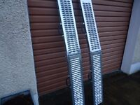 PAIR OF NEW FOLDABLE LOADING RAMPS ( Quad, Ride on Lawnmower, Van, Car Trailer )
