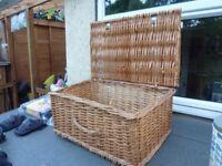 Large wicker basket, no pegs.