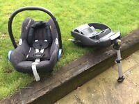 Maxi Cosi Cabriofix Baby car seat group 0+ with Easyfix isofix base