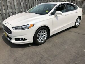 2015 Ford Fusion SE, Automatic, Navigation, Leather, 39, 000km