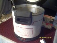 A SAFETY FRYER by TEFAL ,2 HEAT CONTROLS with HANDLE & WIRE BASKET , SPOTLESS +++