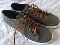 Mens shoes size 8
