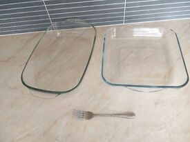 2 glass oven dishes for sale - £3 each
