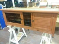 Rabbit hutch in vgc 5ft long
