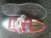 Red ladies converse size 5, only worn a few times