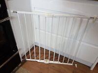 Lindam White metal stair gate
