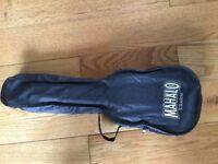 Mahalo U30G Ukulele, Black, hardly used