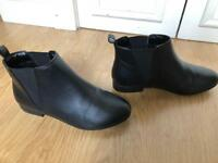 Ladies smart boots, size 7