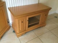 TV CABINET. 2 side cupboards for DVD's. VERY GOOD CONDITION. VERY GOOD QUALITY . £450 new