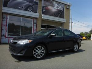 2014 Toyota Camry LE, 2.5L, 73 679 Km, Comme Neuf!