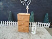SOLID PINE FARMHOUSE BEDSIDE CABINET WITH 3 DOVETAIL DRAWERS VERY SOLID SET