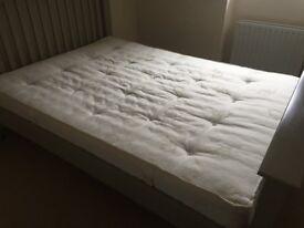 Olive bedroom set: Double mattress