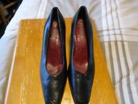 Carvella shoes size 4.5 – slight mark - £3.00