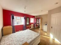 good size double bed with en-suite bathroom. Including council tax and Gas