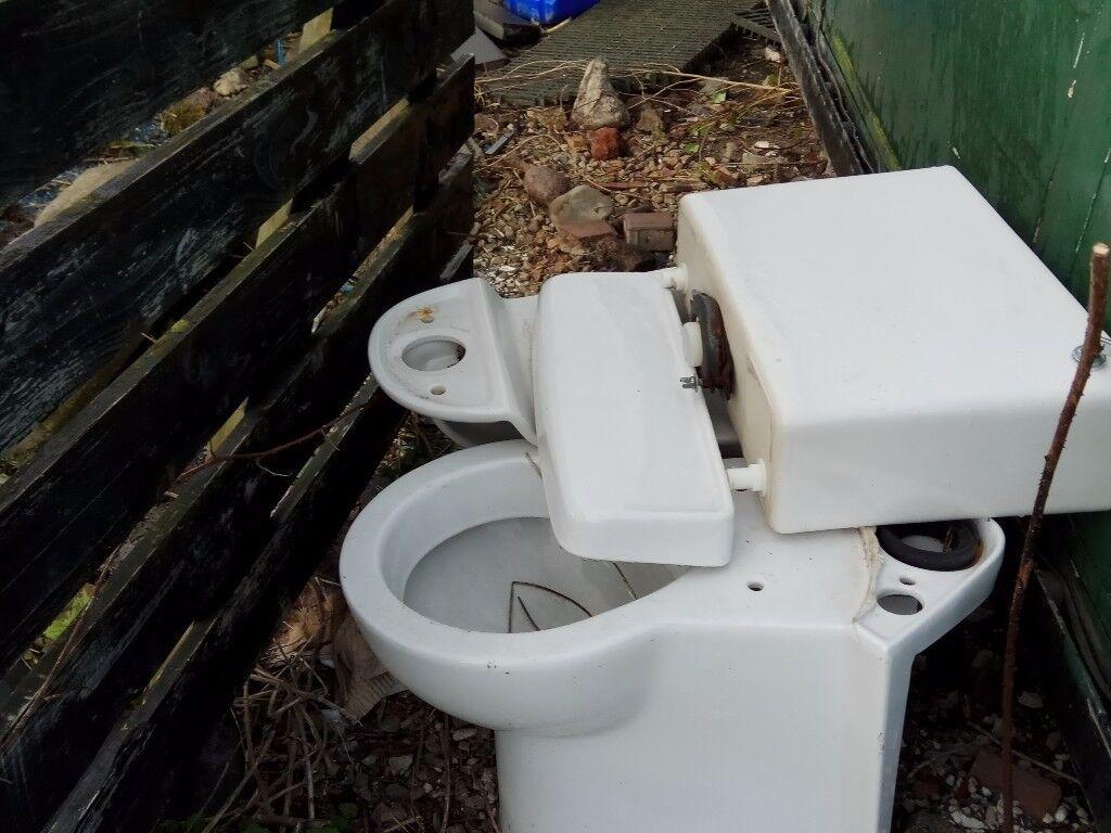 FREE 2 Toilets