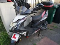 Sinnis Harrier 125cc Moped with low mileage. Twist and Go