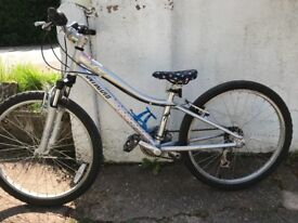 """Specialized Hotrock girls 24"""" wheel an 21 gears. Good condition. Test ride in a safe off road place"""